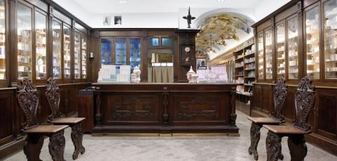 La Farmacia de Paoli Ambrosi di Salò, 288 anni e non sentirli!